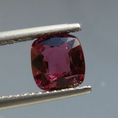 Spinel - 1.37 ct
