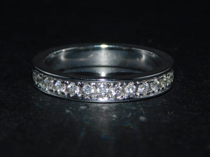 White gold eternity ring with diamonds totalling 1.05 ct