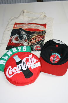 Lot of collectible items of Coca Cola - Second half 20th century.