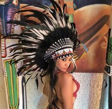 Indian Headddress made of real feathers and natural materials - 21. century