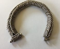 Dense articulated anklet/bracelet in sterling silver from Northern India - early 20th century