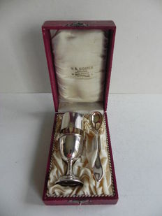 Silver egg cup breakfast set 830/1000