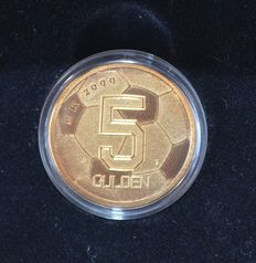 The Netherlands - 5 guilder coin EC 2000, with small mint maker's mark.
