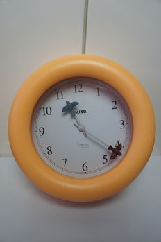 Michael Graves for Alessi – kitchen clock 'Time Flies'