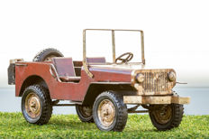 Beautiful large Jeep - 60 cm long