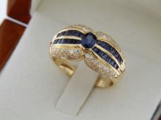 Ring in 18 kt yellow gold - sapphires - diamonds - size: 58 – easily adjustable.