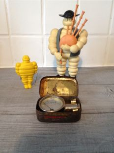 Michelin - Set of 3 original objects including: a nanometre, a meter and a Bibendum with bagpipes
