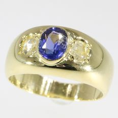 Victorian diamond and sapphire gold unisex ring, anno 1900