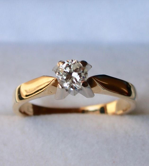 14kt. gold Solitaire ring with diamond H/SI 0,33Ct - Size: 17mm (can be adjusted)