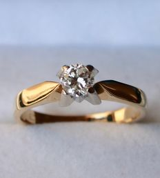 14kt. gold solitaire ring  with brilliant cut diamond 0,33Ct - size 17 mm
