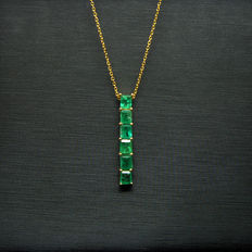 18K gold necklace with 1.45ct of emeralds. Necklace:40cm