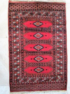 Pakistani hand-knotted carpet – 127 x 82 cm