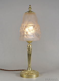 Degué - French 1930 Art Deco Lamp - Ros - polished brass and moulded pressed glass