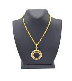 14 carat gold necklace with pendant - length of necklace 45 cm