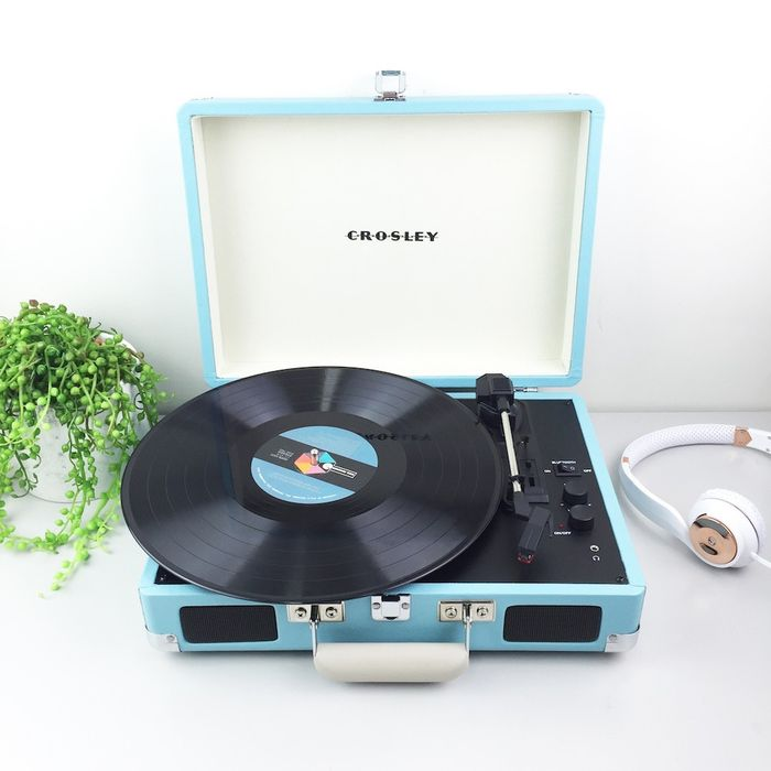 Superbe Crosley Cruiser Turntable Turquoise + Exclusive Single Chuck BerryCrosley Cruiser  Turntable Turquoise + Exclusive Single Chuck