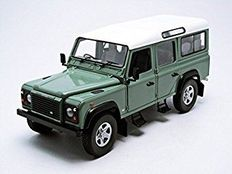 Universal hobbies - Scale 1/18 - Land Rover Defender 110 Station Wagon