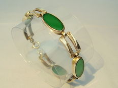 Bracelet with 4 large, green agate plates