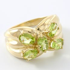14kt Yellow Gold 4.25 ct  Peridot Ring  8 - Q