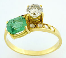 "Ring ""you and I"" with natural emerald IGE certificate, 1.21 ct and 0.64 ct diamonds."