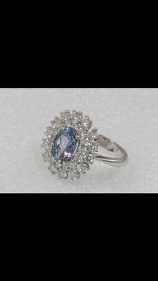Ring in 18 kt white gold. 2.50 ct tanzanite and brilliant cut diamonds weighing between 0.05ct to 0.10 ct. (Colour: G – Clarity: VVS1) and totalling 1.97 ct