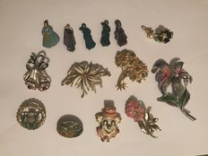 14 vintage Enamelled brooches signed