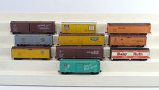 Athearn H0 - 1628/5051/1629/5333/5214/5055/5024/3020/1579 - 10 piece closed freight carriage set of the American Railroads