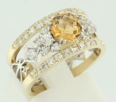 14 kt bicolour gold ring set with a central Bolshevik cut citrine and octagon cut diamonds - ring size 17 (53)