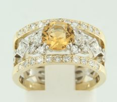 14 kt bi-colour gold ring, centrally set with a Bolshevik cut citrine and Bolshevik cut and single cut diamonds, ring size 17 (53)