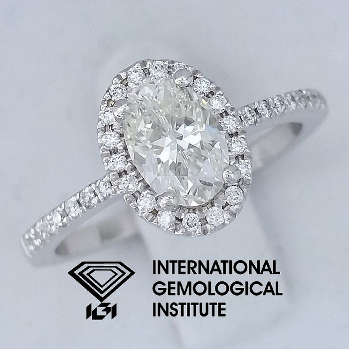 IGI 1.20 ct total, Oval Cut Diamond Engagement Ring ***Free Resize***