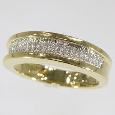 yellow gold ring with pavé set brilliants - 1980; Ring size: EU-56 & 17¾, USA-7½, UK-O½