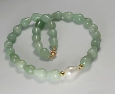 Collier of Jade & large Pearl- 49cm