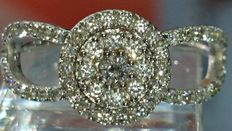 18 kt gold and diamond ring - size 55
