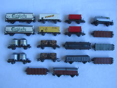 Märklin H0 - 18 freight carriages of the DB, from the 60s