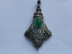 Pendant 925 silver and green agate, garnet, marcasites and seed pearls around 1930
