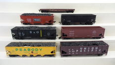 Atlas/Atrearn/Roundhouse H0 - 1852/5405/1615/5565/1756 - 7 piece freight carriage set with flat-/ open freight carriages of different American Railroads