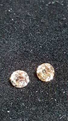 Lot of 2 brilliant cut diamonds, 0.35 ct total, K-O light brown I1 No reserve.