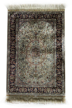 Silk on Silk with Gold Metal Brocade Hereke Turkish carpet  signed (HEREKE) c. 95x63 cm FREE shipping within the EU