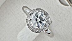 IGL 1.68 Ct round diamond ring made of 14 kt white gold - size 7