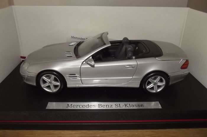 Maisto Scale 1 18 Lot With 3 Models Mercedes Benz Sl Mercedes