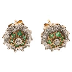 Yellow gold ear studs, each set with spinel and 7 brilliant cut diamonds of approx. 0.035 ct in total