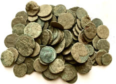 Roman Empire -Large collection of 100 Roman bronze coins-not cleaned- 1st / 4th. Century A.D.