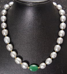 Necklace of gray southsea pearls with Jade - 40cm