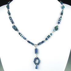Necklace with Roman blue glass and shell beads - 52 cm