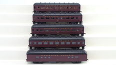 Roundhouse H0 - 6127/6177 - 5 piece carriage set of the Canadian Pacific