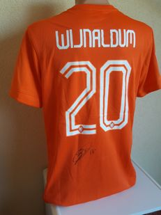 Gini Wijnaldum - Dutch Team shirt 2014 - original signed + COA.