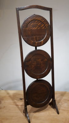 Oak dish stand, United Kingdom, circa 1900