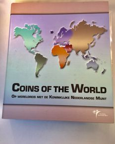 World - coin sets 'Coins of the World' (21 different sets), in an album.