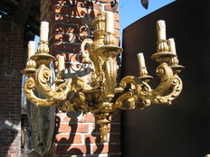 8-light chandelier in golden painted wood - functioning - Italy, mid 20th century