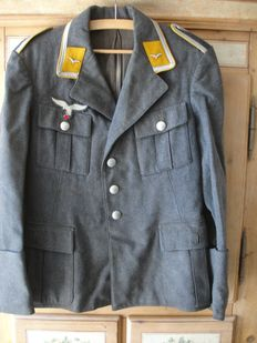 Air force tunic for a pilot in WW II