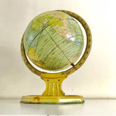 A tin 1935 J. Chein & Co. globe in a very good condition.
